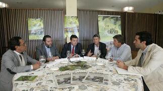 Todos los ponentes de la mesa redonda.   Foto: José Martínez