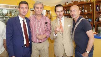 Miguel Berraquero junto a los docentes de la Escuela de Arte de Jerez, Domingo Martínez, Juan Rodríguez y Carlos Luchera.   Foto: Vanesa Lobo