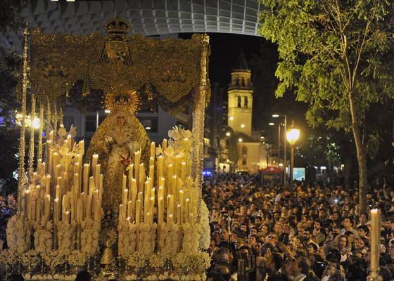 Las imágenes de la procesión extraordinaria de la Esperanza Macarena  Foto: Juan Carlos Vazquez