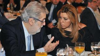 Con Susana Díaz en Sevilla en un Foro Joly./ Juan Carlos Vázquez
