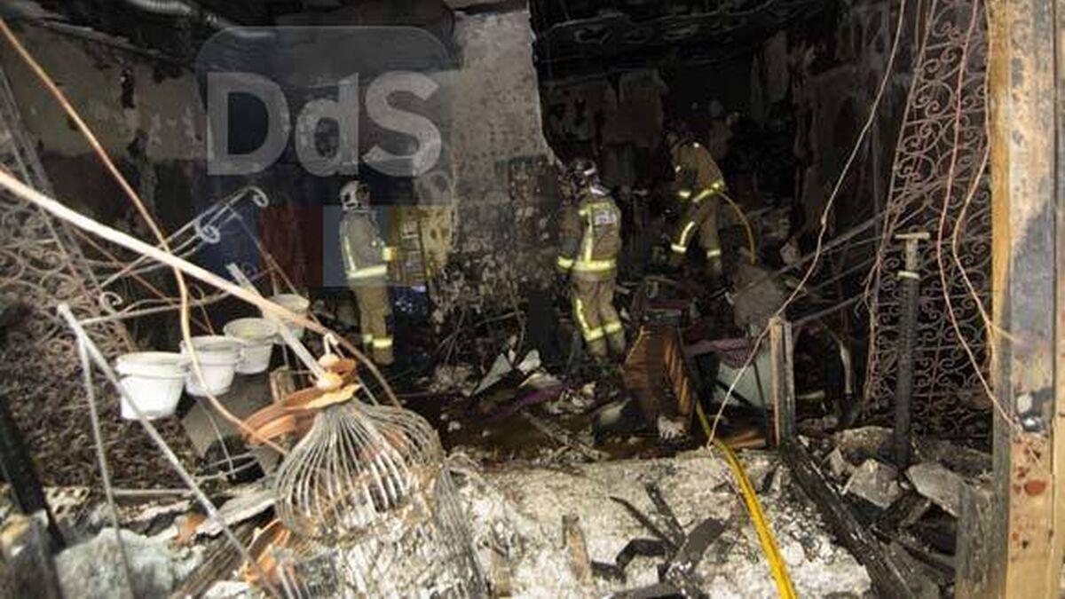 Un Incendio Destruye Una Tienda De Trajes De Flamenca Del Centro