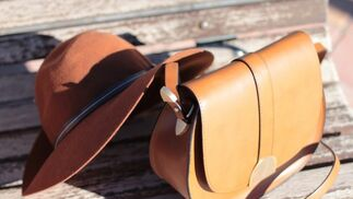 Look con sombrero marron - Outfit