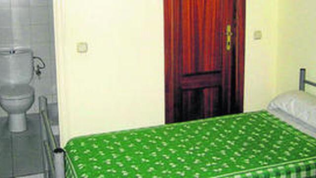 La junta defiende que los dormitorios del juzgado de for Juzgado de guadix