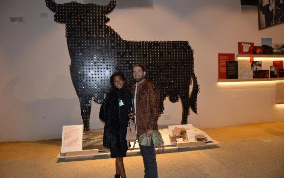 Chanel Banoza y Magnus Ronningen, visitando Toro Gallery.  Foto: Ignacio Casas de Ciria