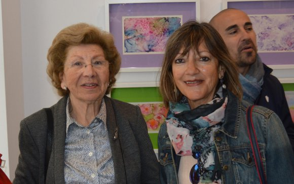 María del Carmen Gómez con Pilar de la Cruz.   Foto: Ignacio Casas de Ciria