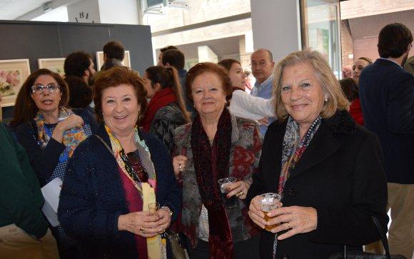 Pilar Borrego, Sagrario Fernández y Victoria Machuca, en la galería Práctika.  Foto: Ignacio Casas de Ciria