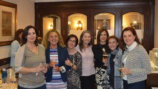 Concha Lara, Inma de Alba, Inma Herrera, Rosa Dodero, Aurora Bechiareli, Margarita Grijuela y Reme Blanco.  Foto: Ignacio Casas de Ciria