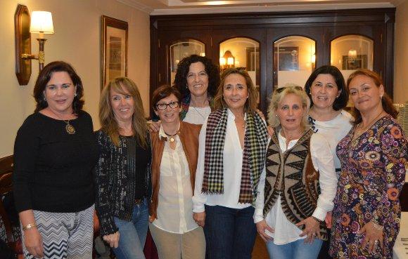 Susana Gil, María José Campo-Cossio, Patricia Albalá, Cristina González, Rocío García, María de los Ángeles Bueno, Maite Córdoba y Encarna Franco.  Foto: Ignacio Casas de Ciria
