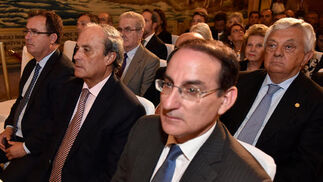 Juan Carlos Cabrera, Antonio Ponce y Javier González de Lara. Detrás, Francisco Herrero.   Foto: Juan Carlos V?uez / Victoria Hidalgo