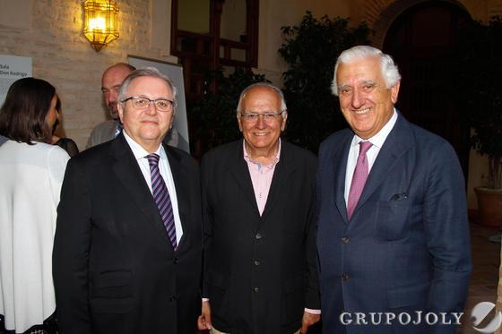 Manuel Ruiz Domínguez, Francisco Pérez y el empresario Santiago Herrero. / Fotos: Juan Carlos Muñoz y Victoria Hidalgo