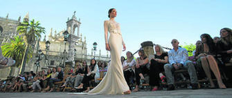 Sevilla recibe junio vestida de novia