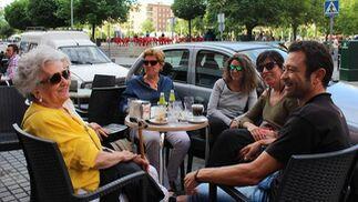 Cafetería Roldán, también en el Zoco. Una de las cadenas más señeras de la ciudad, Roldán, dispone de uno de sus establecimientos en la zona del Zoco, donde cuenta con una terraza junto a la plaza. / M. R.