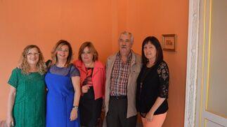 María del Carmen Casanova, Francisca Rodríguez, Puri Camargo, Alfonso Orellano y Loli Pulido.  Foto: Ignacio Casas de Ciria