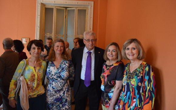 Esperanza Martínez, Miriam Luna, el homenajeado Luis Bringas, María de la Paz Zambrano y Elisa Beltrán.  Foto: Ignacio Casas de Ciria