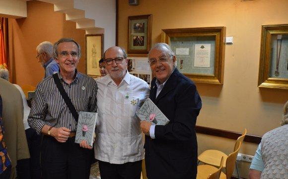 El empresario Pepe Ruiz, el presidente del Ateneo, Ignacio Moreno, y Pepe Rodríguez Murillo.  Foto: Ignacio Casas de Ciria