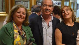 Charo Vallejo, Helio Marugán y Yolanda Campo coincidieron en la presentación.  Foto: Ignacio Casas de Ciria