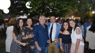 María Díaz, Rosa Muñoz, José Díaz, Francisco Maján, Natalia Zaragoza y Rosa Díaz.  Foto: Ignacio Casas de Ciria