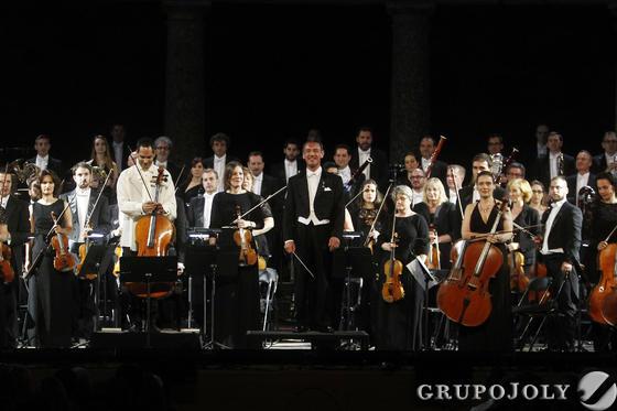 El público solicitó el bis.  Foto: Pepe Villoslada