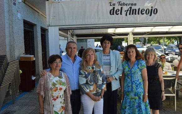 Milagro Otero, los hermanos Juan y Ana Campllonch, María del Mar Moralejo, Aurora López y Faly Saborido.  Foto: Ignacio Casas de Ciria