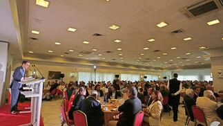 Vista del salón del Hotel Jerez donde se celebró la conferencia de Ignacio Osborne Cologan.   Foto: Pascual · Vanesa Lobo