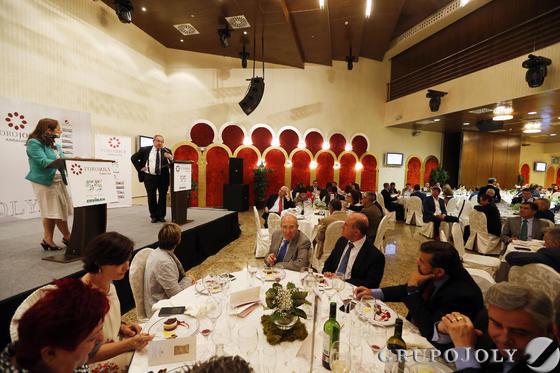 El foro organizado en colaboración con Covirán se celebró en el Hotel Nazaríes.   Foto: Pepe Villoslada