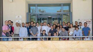 Rodrigo de la calle en la escuela de hostelería. La Escuela de Hostelería de Córdoba ha llevado a cabo una jornada de formación con el chef Rodrigo de la Calle, una experiencia con la alta cocina verde y saludable. / rafael A. Butelo