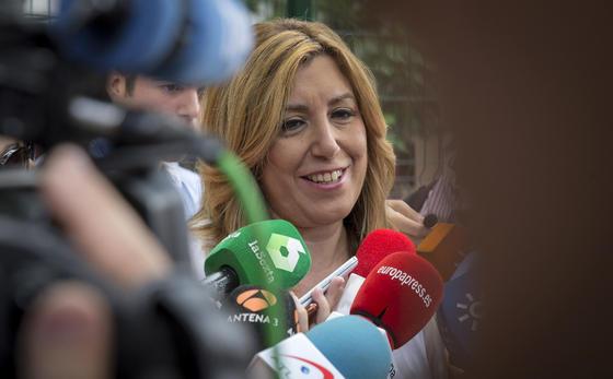 Susana Díaz ejerce su derecho al voto.  Foto: EFE