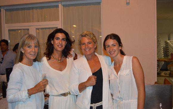 Caroline de Clerck, Curra Domecq, Anne de Clerck y Ana Erquicia.  Foto: Ignacio Casas de Ciria