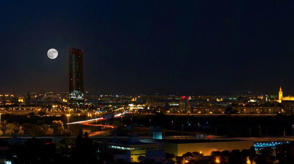 La superluna vista por los lectores de Diario de Sevilla