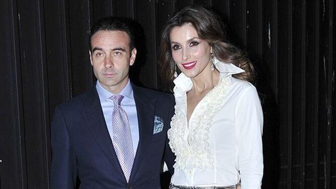 Paloma Cuevas con su marido