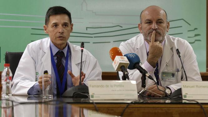 Fernando de la Portilla, responsable de Coloproctología y Manuel Romero, gerente Macarena-Virgen del Rocío.