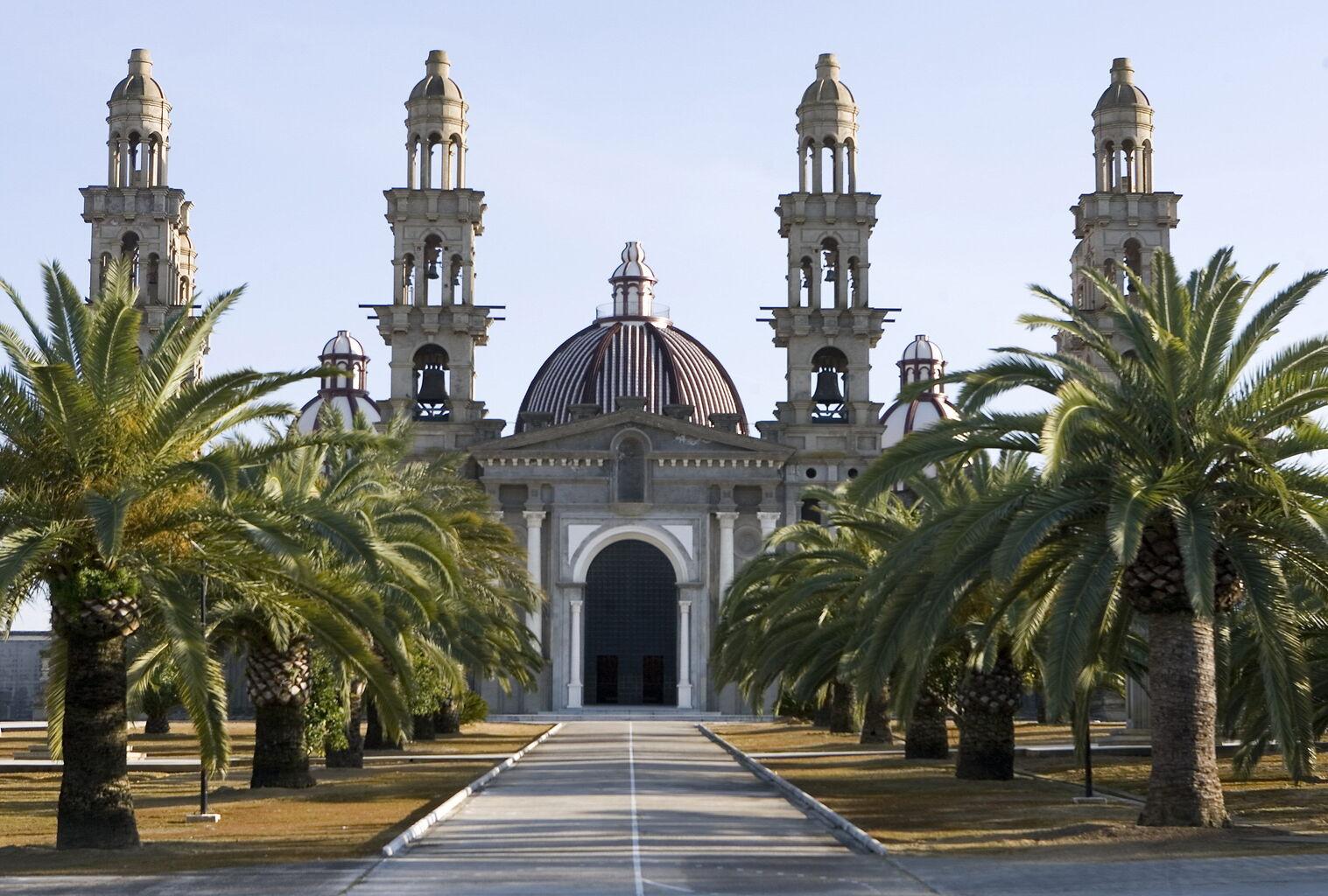 Panoramica-fachada-Iglesia-Palmar-Troya_