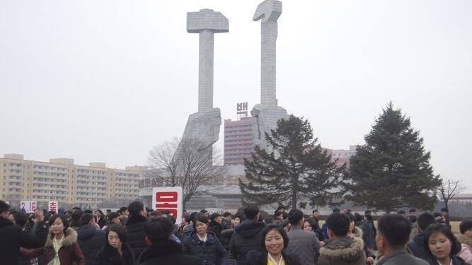 Baile multitudinario ante el monumento del nacimiento del Partido de los Trabajadores