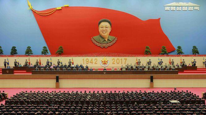 Corea del Norte obvia entre festejos el asesinato del hermano del líder