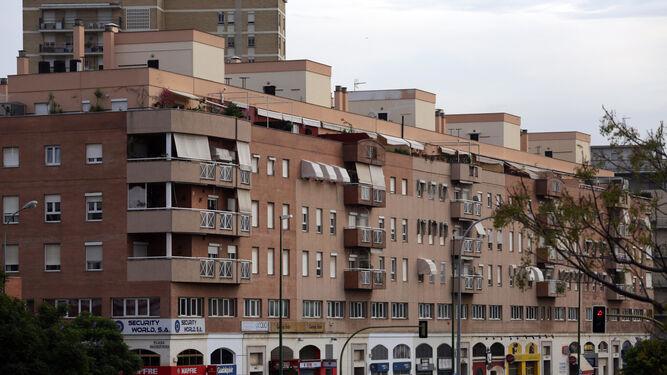 El tramo de la Buhaira más cercano a Santa Justa hace caer el precio de los locales de la calle.
