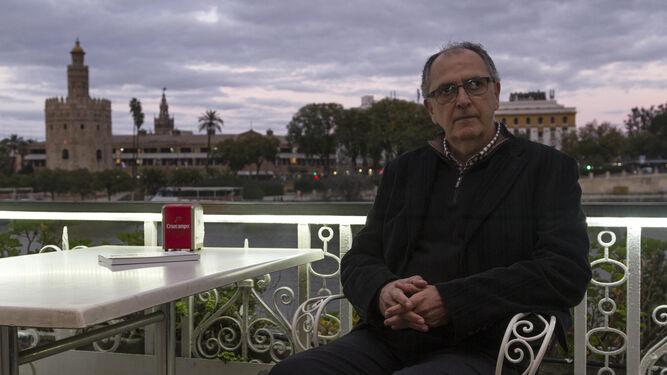 Francisco Bueno Manso, en el restaurante Río Grande, durante un momento de la entrevista.