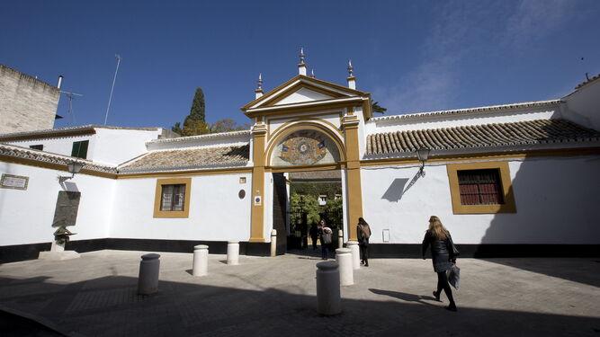 Las due as es ya el quinto monumento m s visitado en la ciudad - La casa de los uniformes sevilla ...