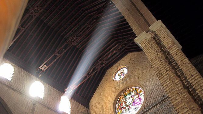La visita a San Román es recomendable al mediodía o por la tarde, debido a que no se mantiene el ábside original.