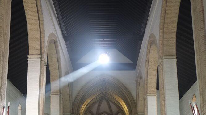 El espectáculo de luz puede contemplarse como antaño en Omnium Sanctorum y Santa Marina.