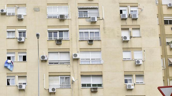Bloque de viviendas del barrio de los Mares o Nuestra Señora de Consolación.