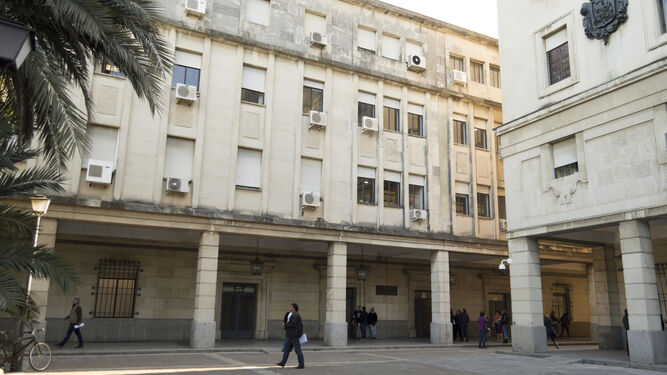 Urbanismo autoriza la reforma interior de los juzgados del for Juzgados viapol sevilla