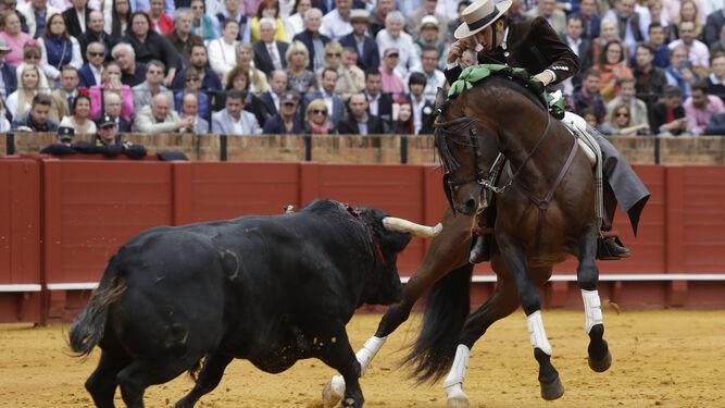 Diego Ventura en una corrida de rejones de la Feria de Abril de Sevilla