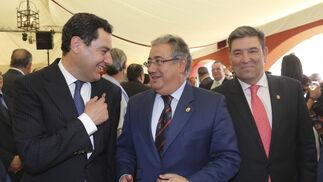 Juanma Moreno, Juan Ignacio Zoido y el director general de la Guardia Civil, José Manuel Holgado.