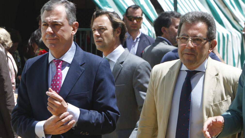 El alcalde de Tomares, José Luis Sanz, y el portavoz del PP en el Ayuntamiento de Sevilla, Alberto Díaz.