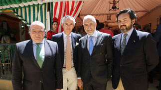 Luis Miguel Martín Rubio, de Ontier; Tristán Ybarra; Stefano Sannino, embajador de Italia en España; y Carlos Ruiz-Berdejo, cónsul de Italia en Sevilla.