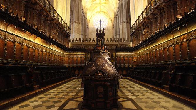 Imagen del facistol del Coro de la Catedral de Sevilla  Fotos josé