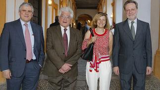 El médico e investigador José López Barneo, los catedráticos Enrique Cerdá y Miguel Ángel de la Rosa y Elisabeth Pintado.