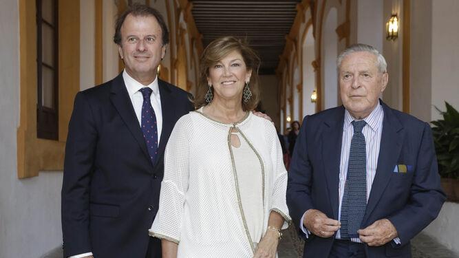 Ignacio Osborne, presidente de Osborne; Flavia Milans del Bosch y el abogado del Estado José Ramón del Río.