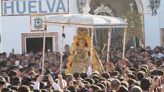 La procesión de la Virgen del Rocío, en imágenes