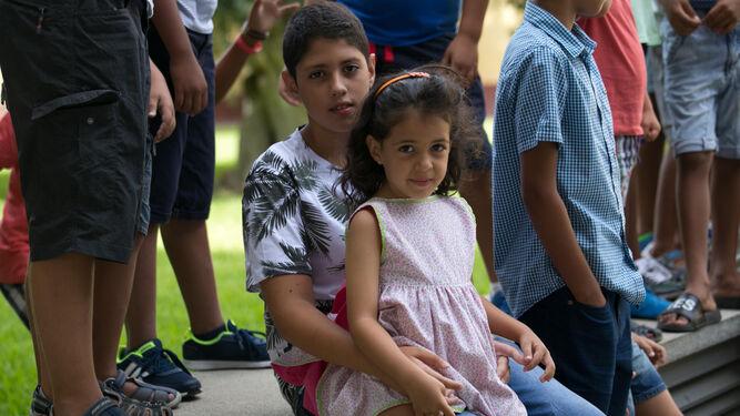 Villalobos recibe a  treinta niños saharauis